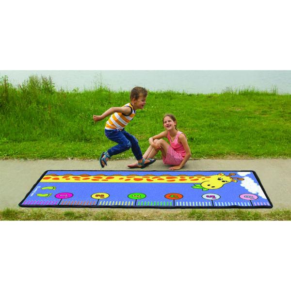 measuring with giraffe learning carpet